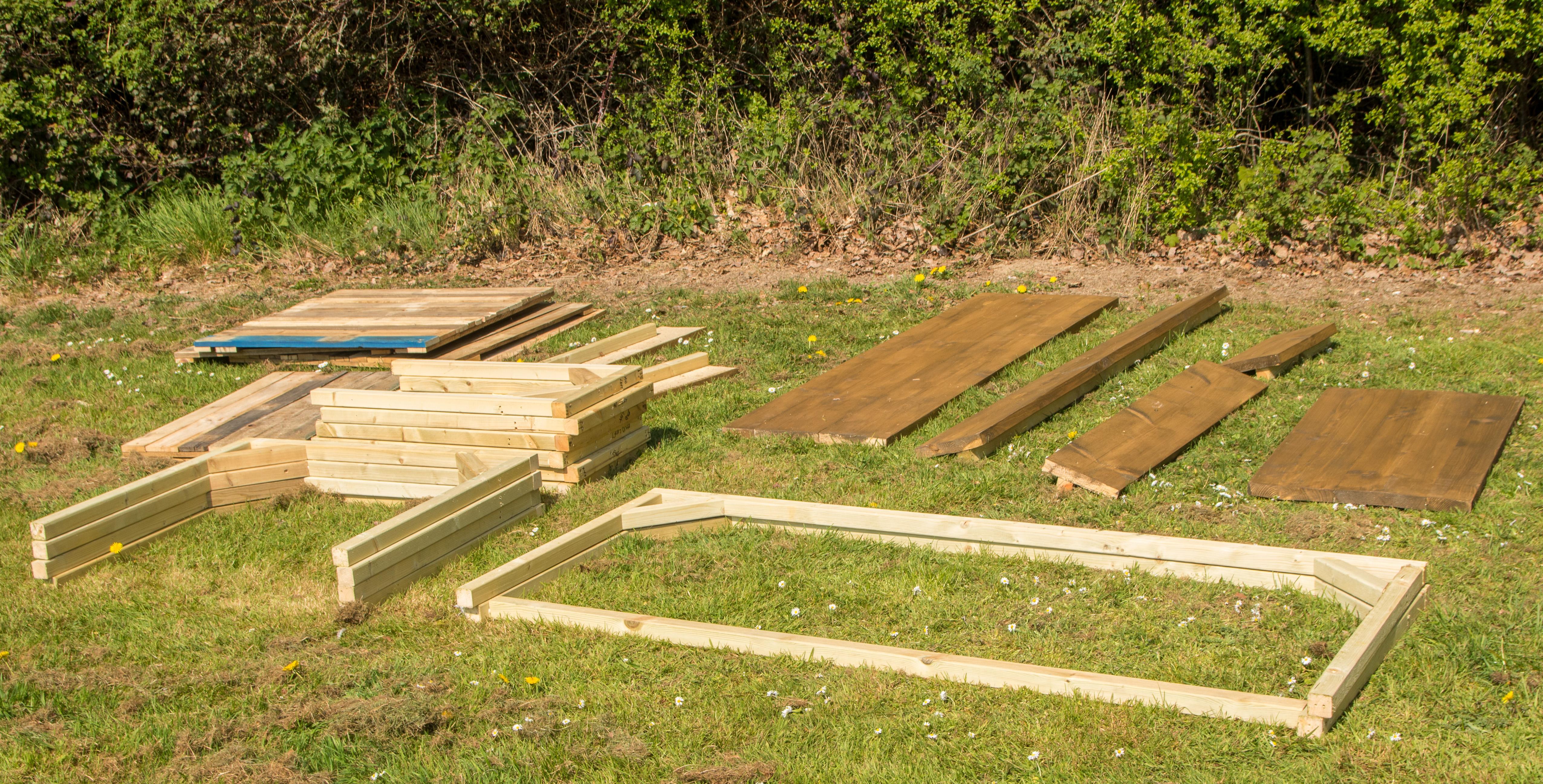 Pack flat wooden bars