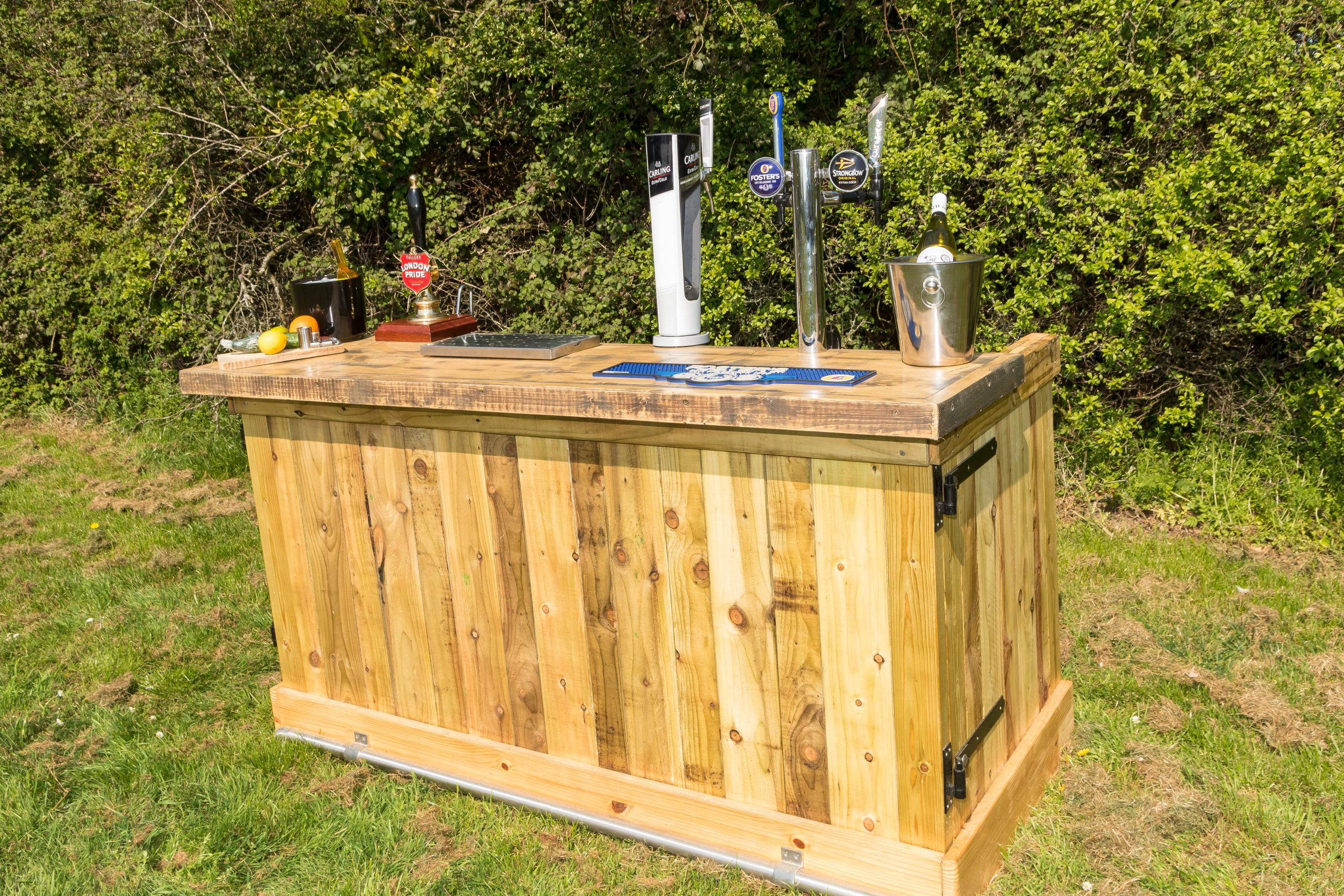 Wooden bar hire in surrey