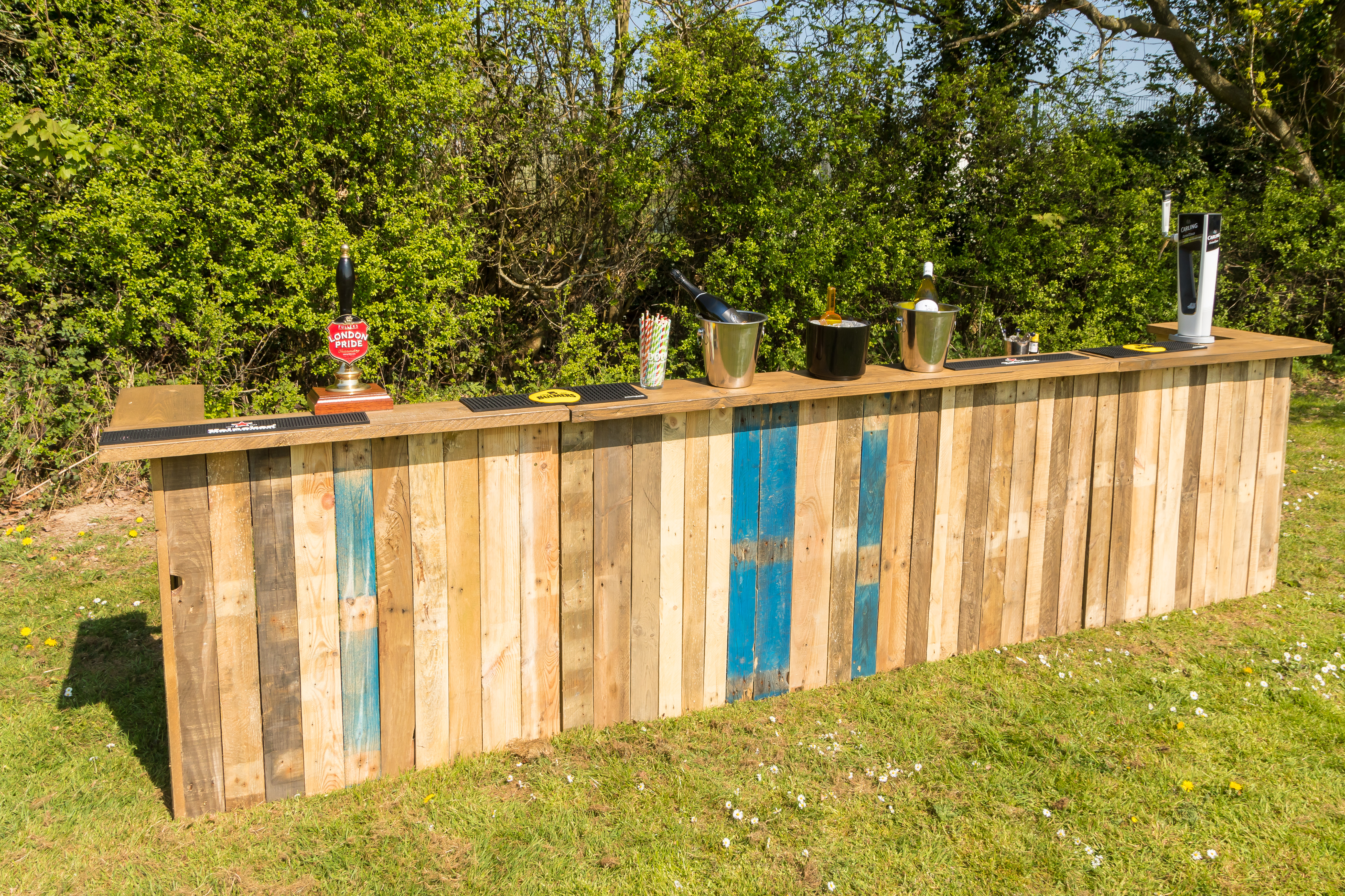 Pallet bar for hire